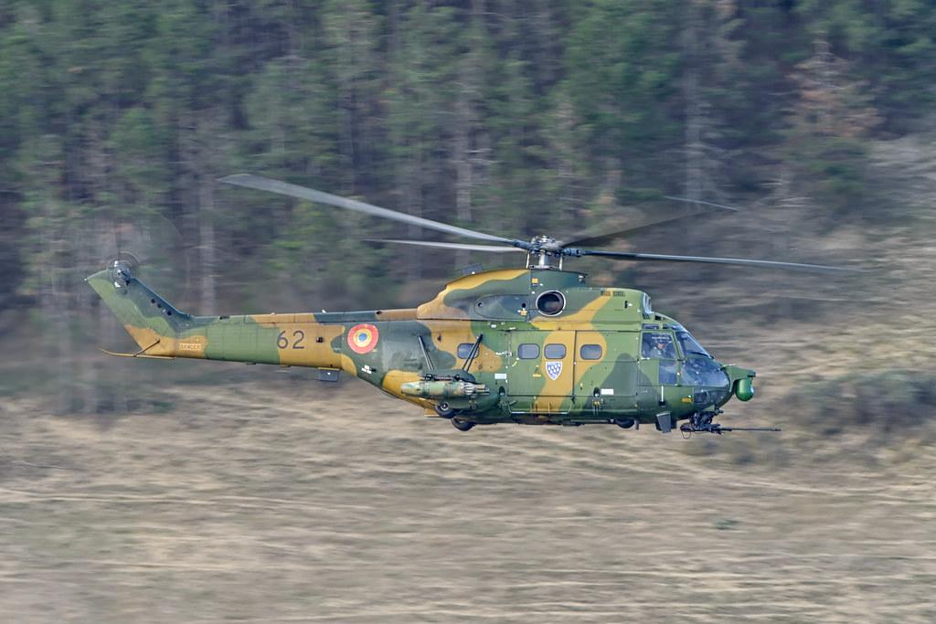 IAR 330 Puma SOCAT 21200989731_ea6cd701f0_b