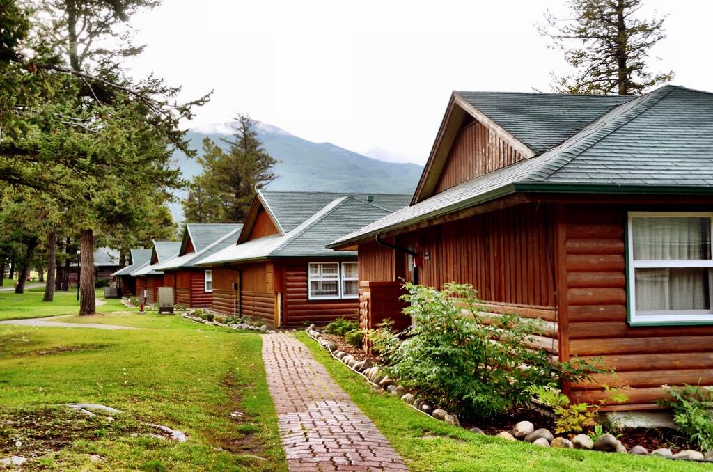 fairmont jasper park lodge a luxurious return to nature. Black Bedroom Furniture Sets. Home Design Ideas