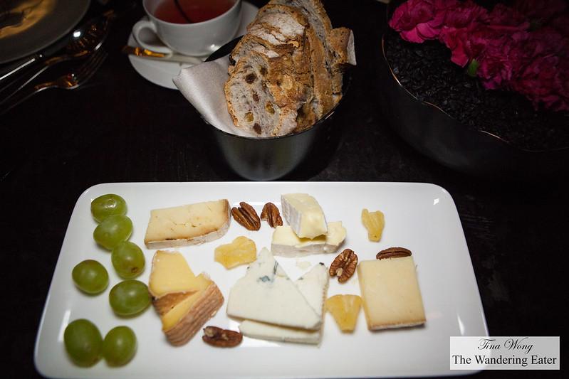 Artisanal cheese platter (5 cheeses)
