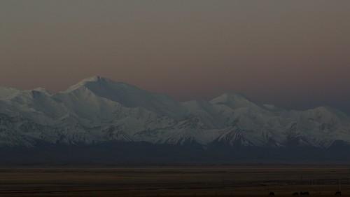 travel viaje snow mountains asia nieve paisaje snowcapped amanecer silkroad paysage centralasia kyrgyzstan kitesurf ran cordillera montañas pamir asiacentral rutadelaseda kirguistan