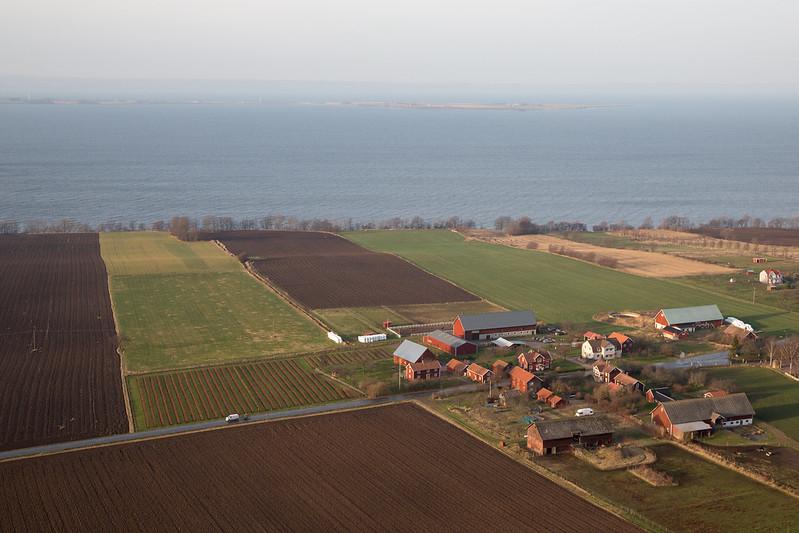 Village, Lake Vättern