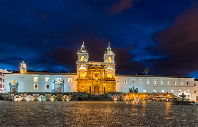 Iglesia_de_San_Francisco,_Quito,_Ecuador,_2015-07-22,_DD_217-219_HDR