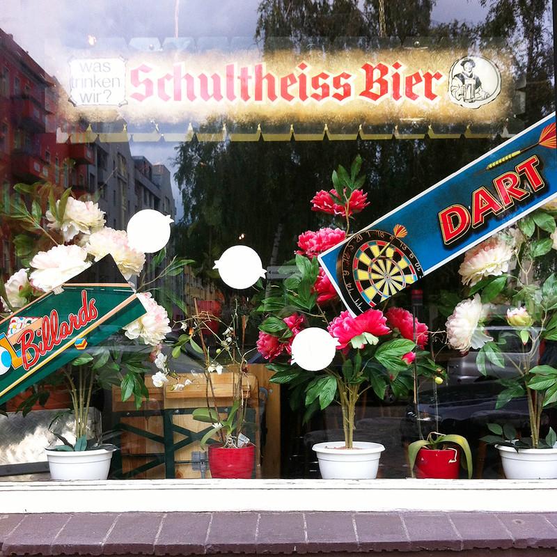 Blick in eine Berliner Kneipe in Berlin-Wedding Schultheiss Bier