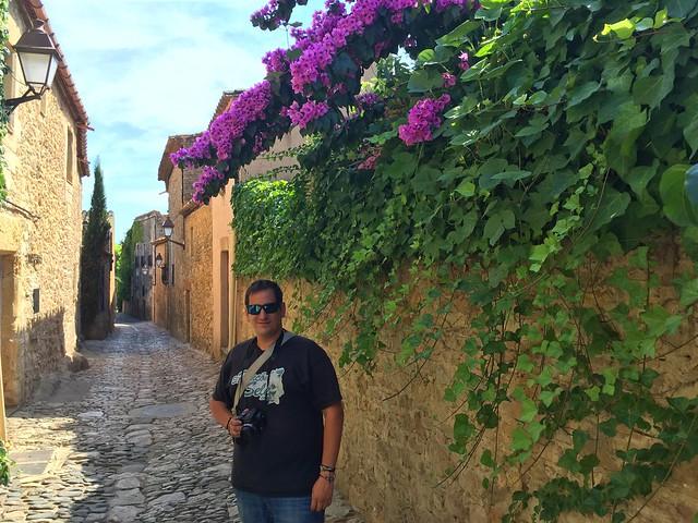 Sele en Peratallada, uno de los pueblos medievales más bellos de la Costa Brava y de toda Girona