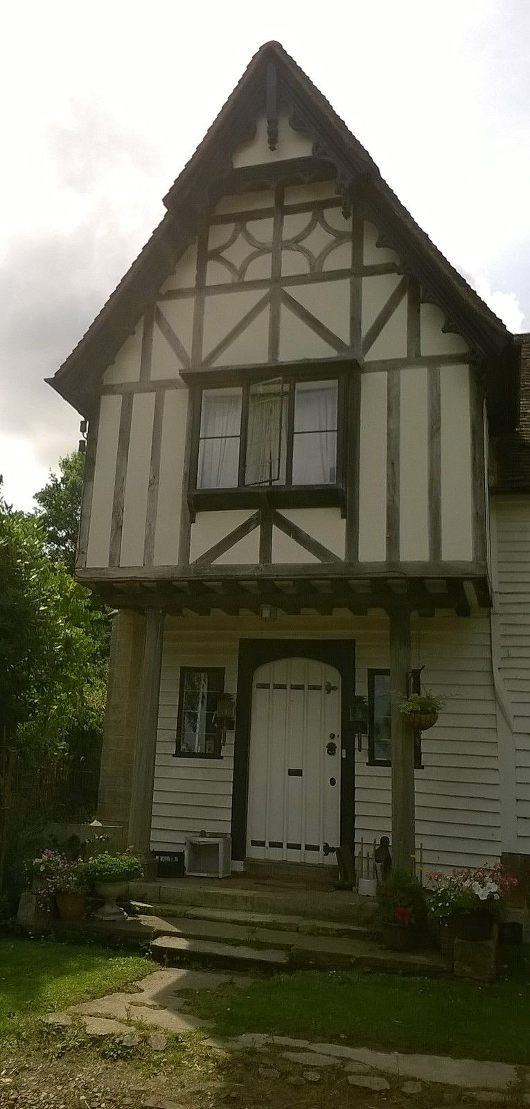 Timbered Kent building near Smarts Hill