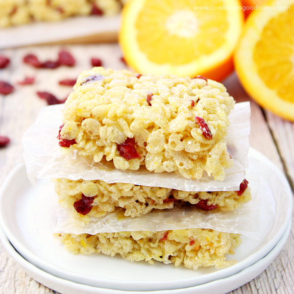 Cranberry Orange Crispy Treats - Orange juice and orange zest pairs with sweet, tart cranberries to give a new twist to the classic flavor duo!