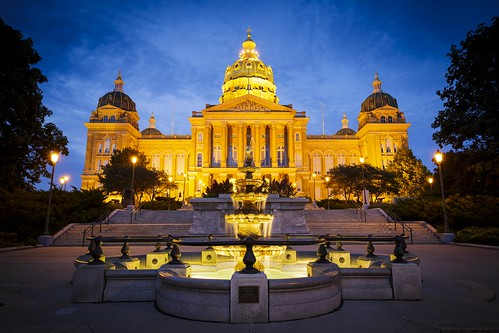 "Capitol ""State Capitol"" ""Iowa State Capitol"" building architecture ""Des Moines Iowa"" Iowa 2015 Summer September evening Notley ""Notley Hawkins"" 10thavenue blue ""blue sky"" ""capitol dome"" lights http://www.notleyhawkins.com/ ""Missouri Photography"" ""Notley Hawkins Photography"" ""Blue Hour"" facade front dome"