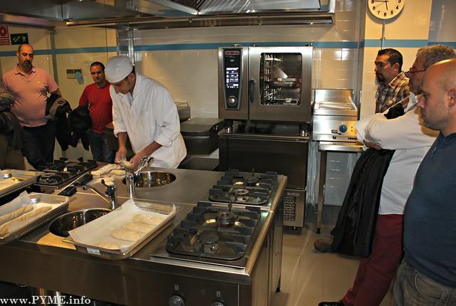 Xavier Muntal, durante su presentación de panes para la hostería en el Centro de Innovación Gastronómica.