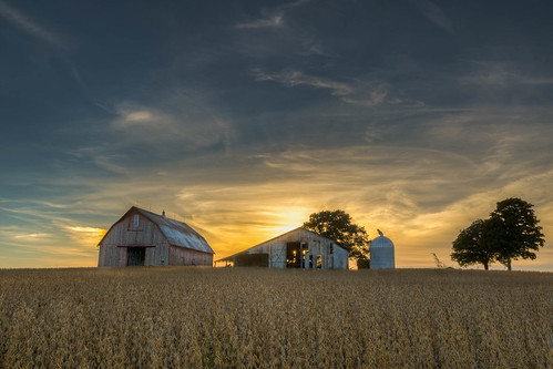sunset fall field barn landscape farm ks explore kansas soy soybeans leavenworth kickapoo 2015 leavenworthcounty