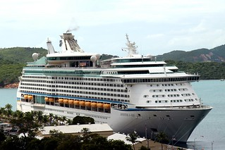Изображение на Long-Bay Beach. ocean cruise cloud beach water st port island islands pier us ship cloudy charlotte outdoor thomas united royal line adventure virgin international caribbean states vi stthomas seaport seas rcl amalie usvi aos rccl adventureoftheseas cruiseport konomark