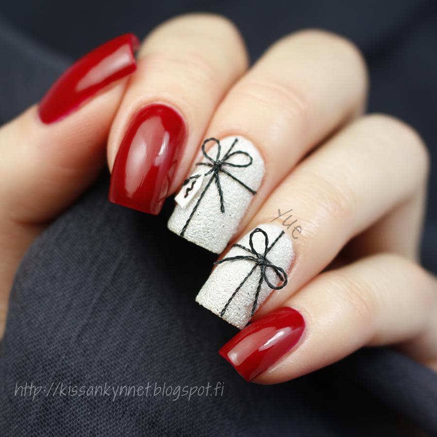 christmas_present_nails_2