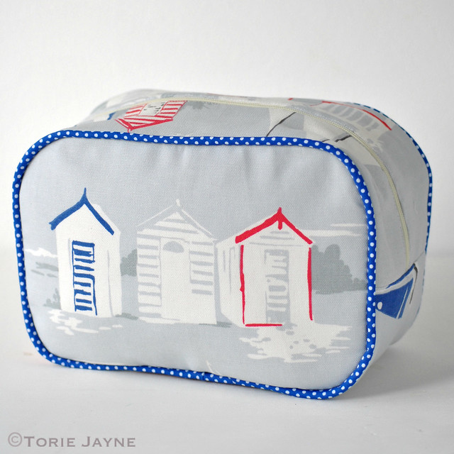 Handmade washbag tutorial 1