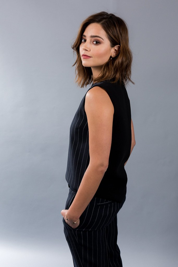 Дженна Коулман — Фотосессия для «Виктория» на «Summer TCA» 2016 – 11