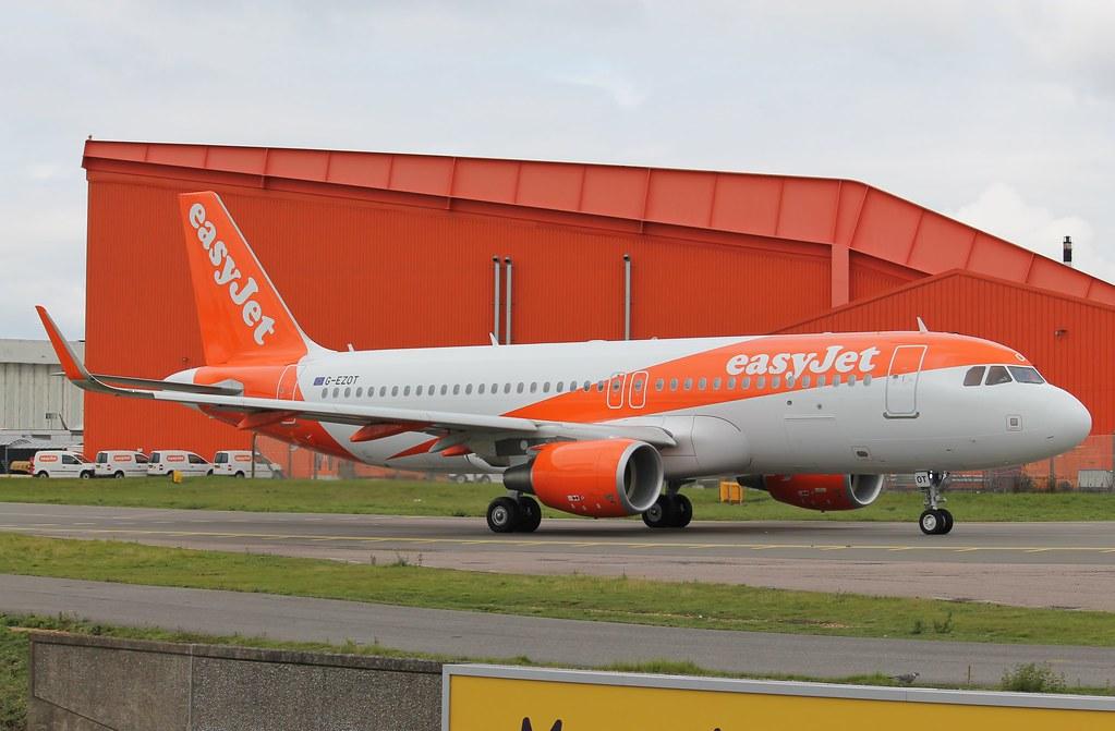 G-EZOT - A320 - EasyJet