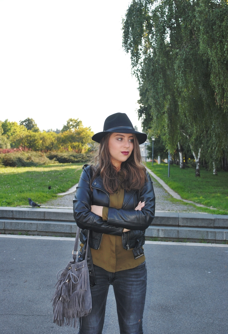 olive-green-shirt-leather-jacket-black-fedora-hat-fringe-bag-2