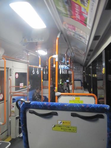 金沢競馬場の加賀八田からのバス車内