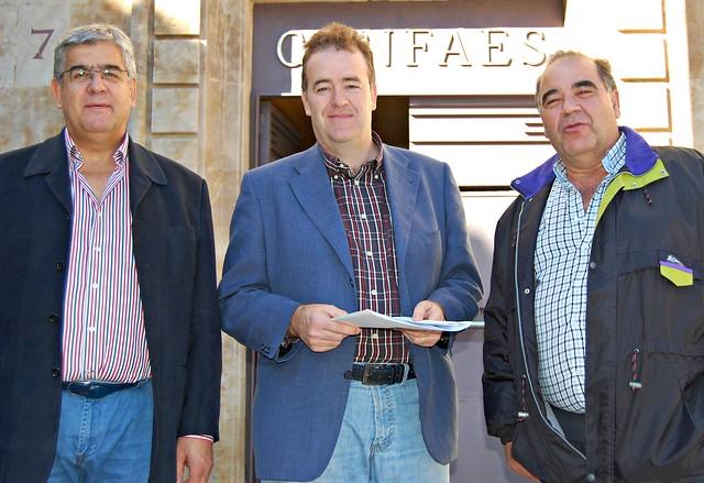 Juan Manuel Gómez (presidente de AESCON), junto a José Luis Sánchez Iglesias (presidente de AESLUX) y Manuel Álvarez Santiago (presidente de AESFONCA).