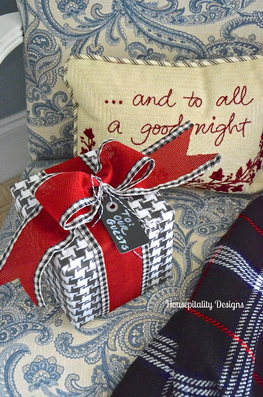 Gift Wrapping Ideas - Housepitality Designs