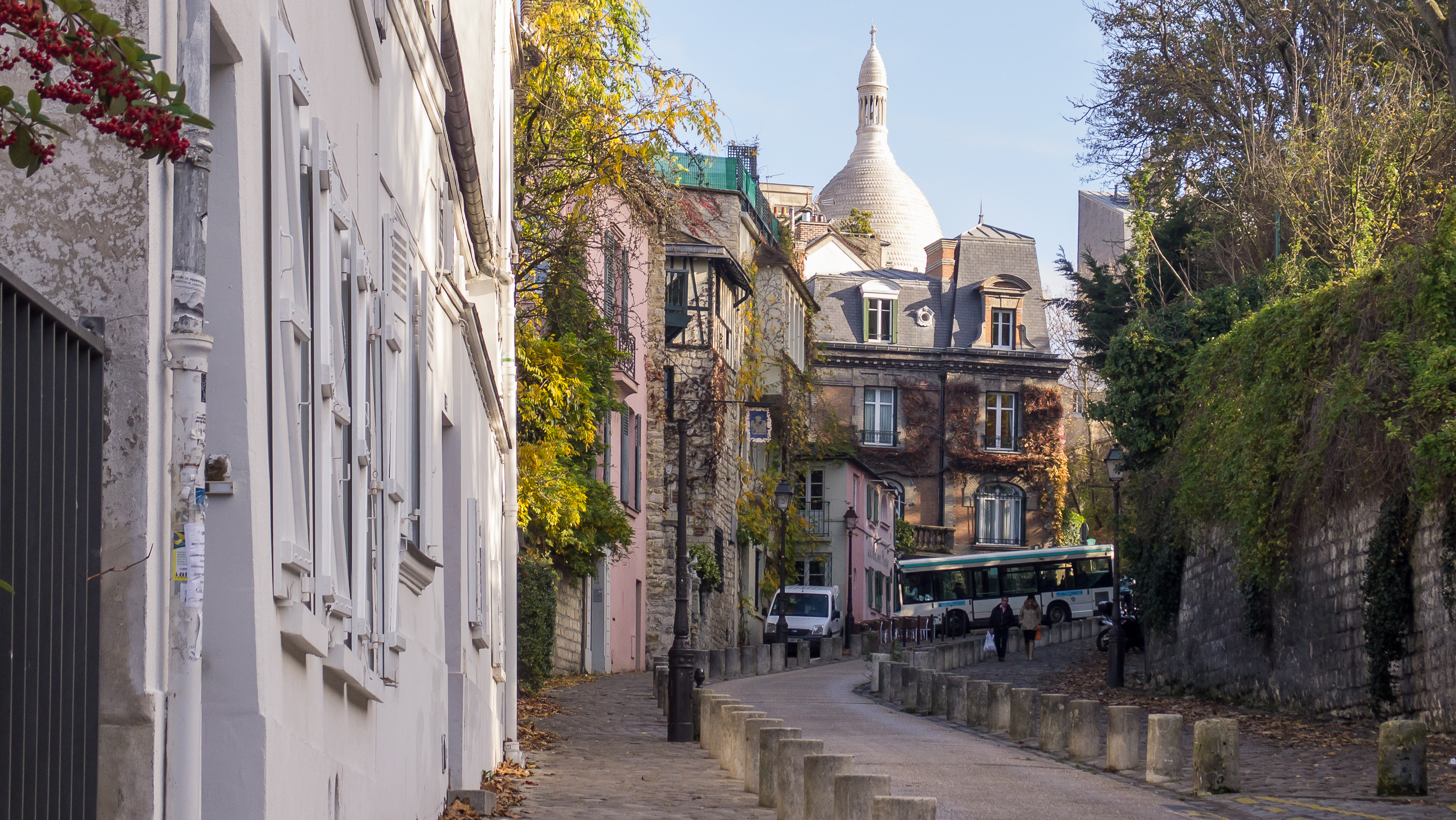 Experience the crown of Montmartre, the Sacre Coeur
