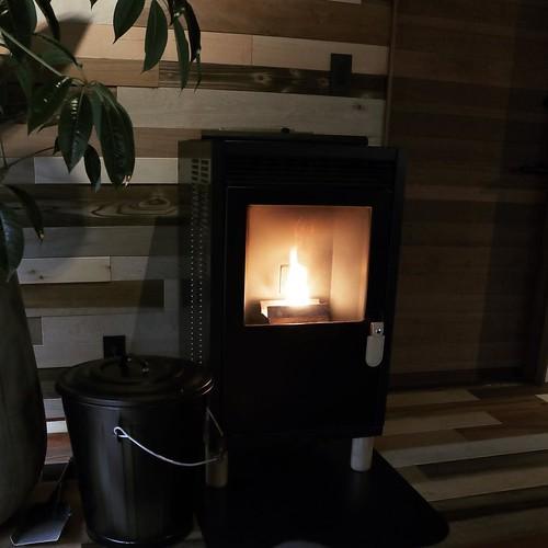 暖炉の灯とか。 #南砺 #富山県 #tateguya