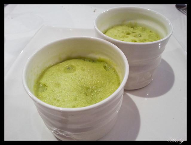 Nuestra comida en Valle de Hecho - Royal de vichyssoise con espuma vegetal