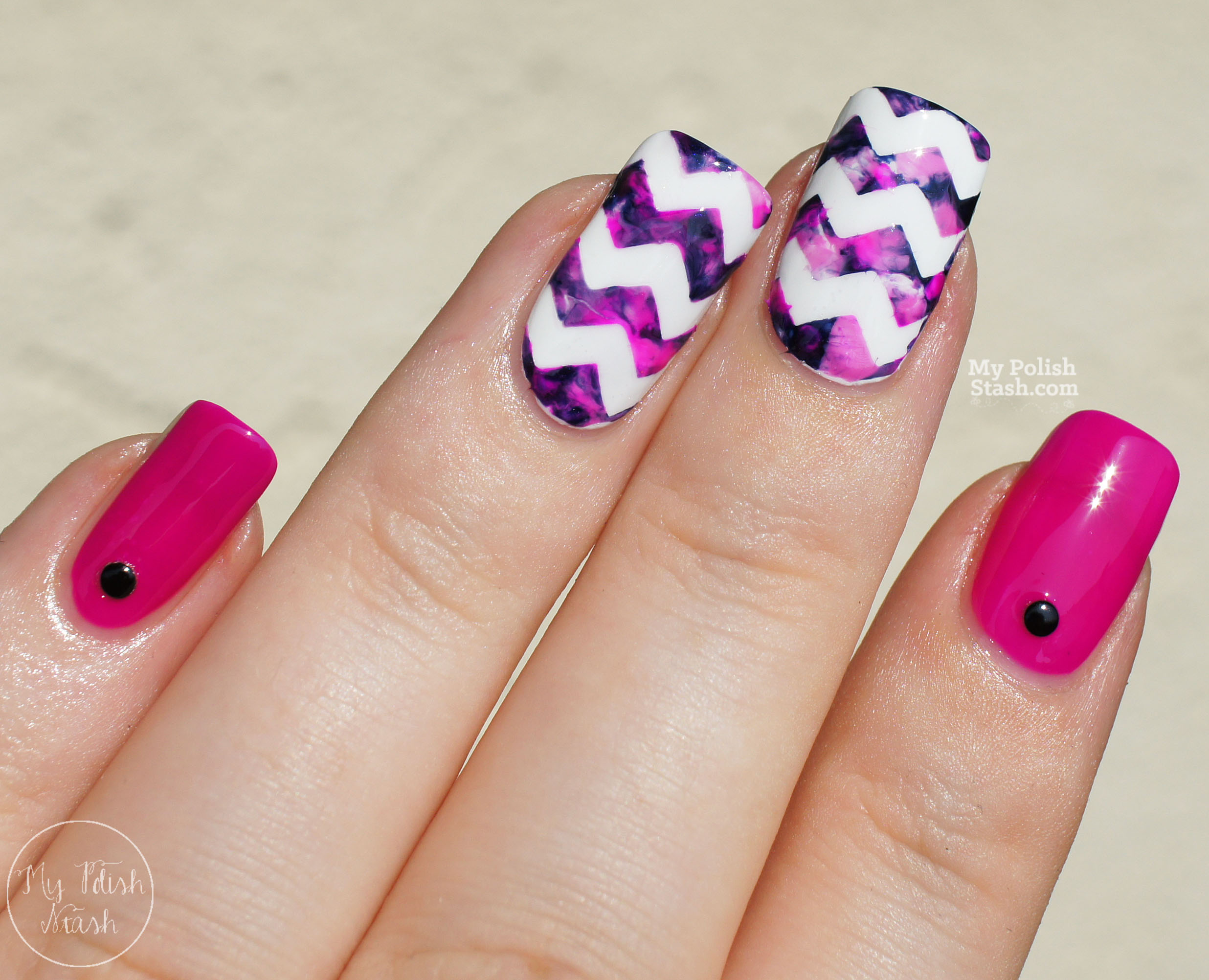 magenta-navy-marbled-chevron-nails-3