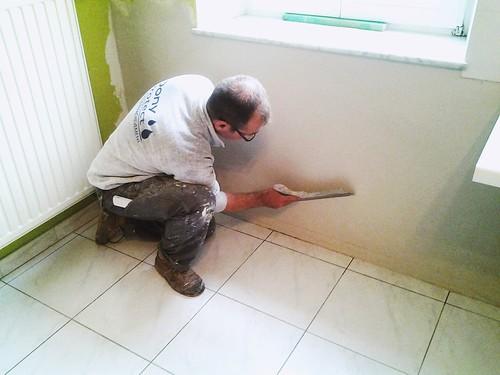 Ré enduisage d'un mur traité pour les sels au Technicure A.S.
