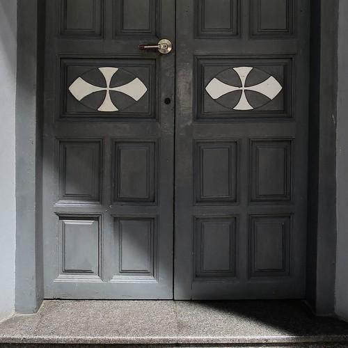 扉がかっこいい。