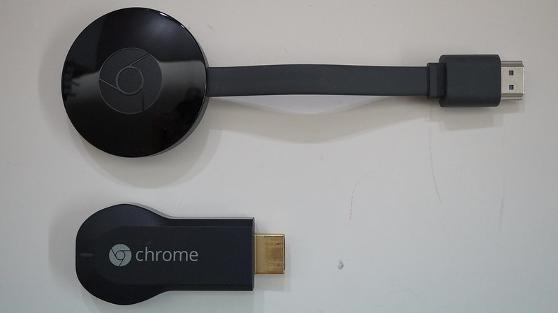 Chromecast (2015) vs Chromecast - Top