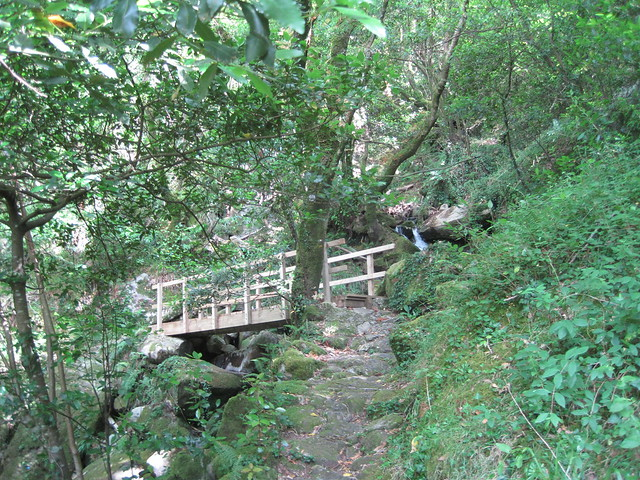 Puente en el área recreativa Central Hidroeléctrica del Tambre