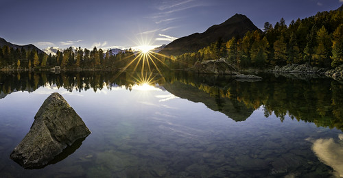 autumn sunset camp panorama mountain lake berg lago golden schweiz see pano berge val di campo sunburst tamron mountainlake bergsee sonneuntergang ch goldene graubünden poschiavo saoseo 1530mm lärchen saoseosee lagodisaoseo