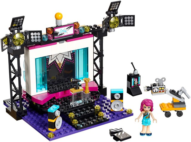 Pop-Star-TV-Studio-set-main-41117