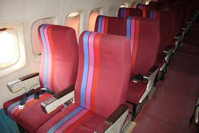 YS-11 機内 座席