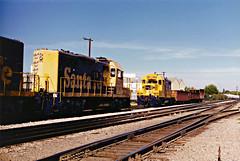 Santa Fe GP9 Nos. 2276 & 2283 At Fullerton