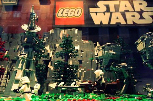 """Exposición """"Lego Star Wars: el despertar de las piezas"""" (Fnac Callao, Madrid. Del 3 de octubre al 29 de noviembre de 2015)"""