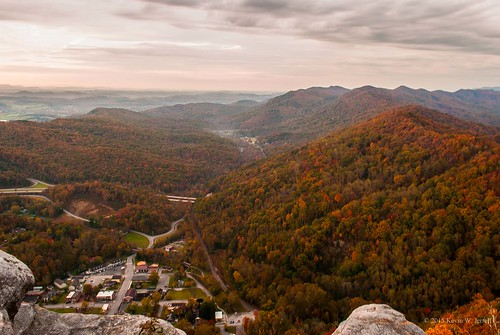 autumn mountain fall nature beauty virginia tennessee kentucky autumncolors pinnacleoverlook nikond60 cumberlandgapnationalhistoricalpark backroadphotography
