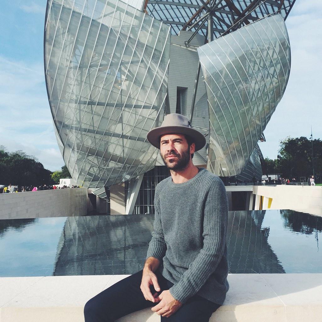 _manlul_miguel_carrizo_paris_louis_vuitton_foundation_frank_gehry_architecture_raceu_hats_h&m_pedro_garcia_shoes_6
