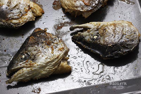 鮭魚頭高麗菜鍋,及鹽烤鮭魚頭-20151129