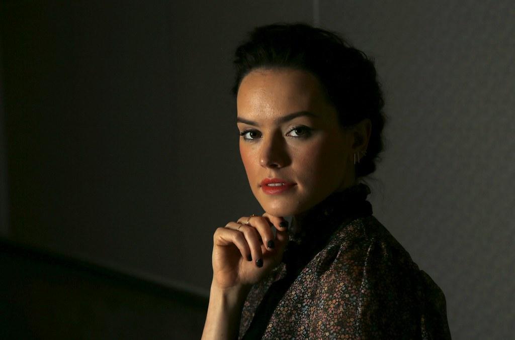 Дэйзи Ридли — Фотосессия для «Звёздные войны» RT 2015 – 4