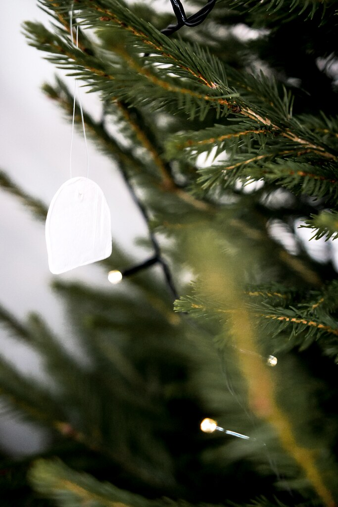 08-diy-Christmas-tree-decorations