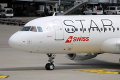 Star Alliance (Swiss International Air Lines)  Airbus A320-214 HB-IJO 'Verbier'
