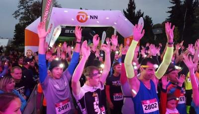 Poslední závod letošní série Night Run přivítalo babí léto