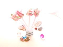 stones shells tulip flower origami napkins