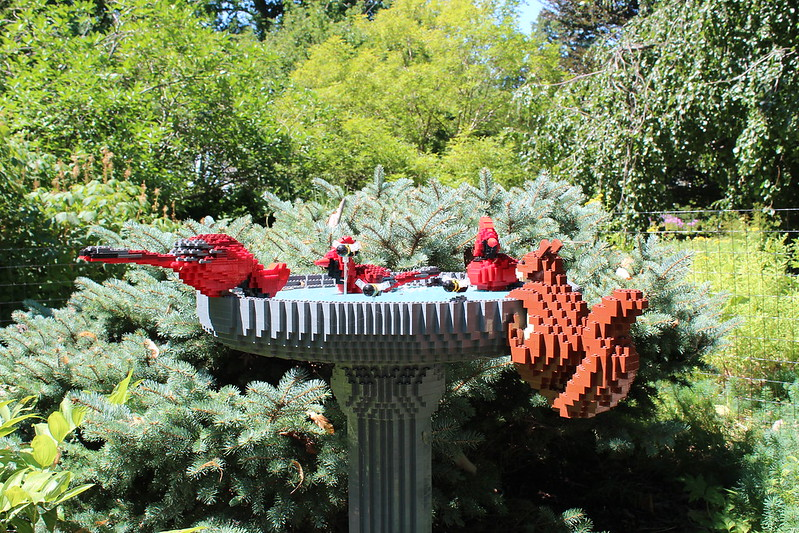 Birdbath: 14,802LEGO bricks and 200 build hours