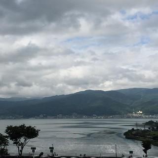 諏訪湖。でっかいなー。