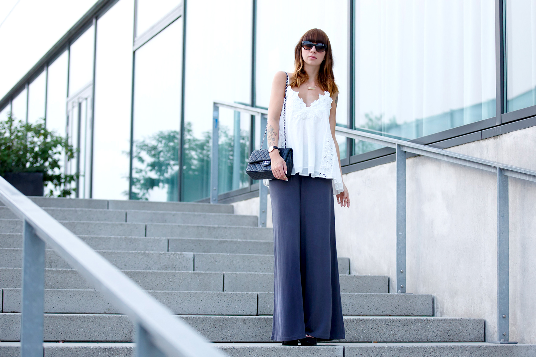 outfit vogue eyewear palazzo pants lace top summer evening dinner look cats & dogs ricarda schernus berlin düsseldorf modeblog 1