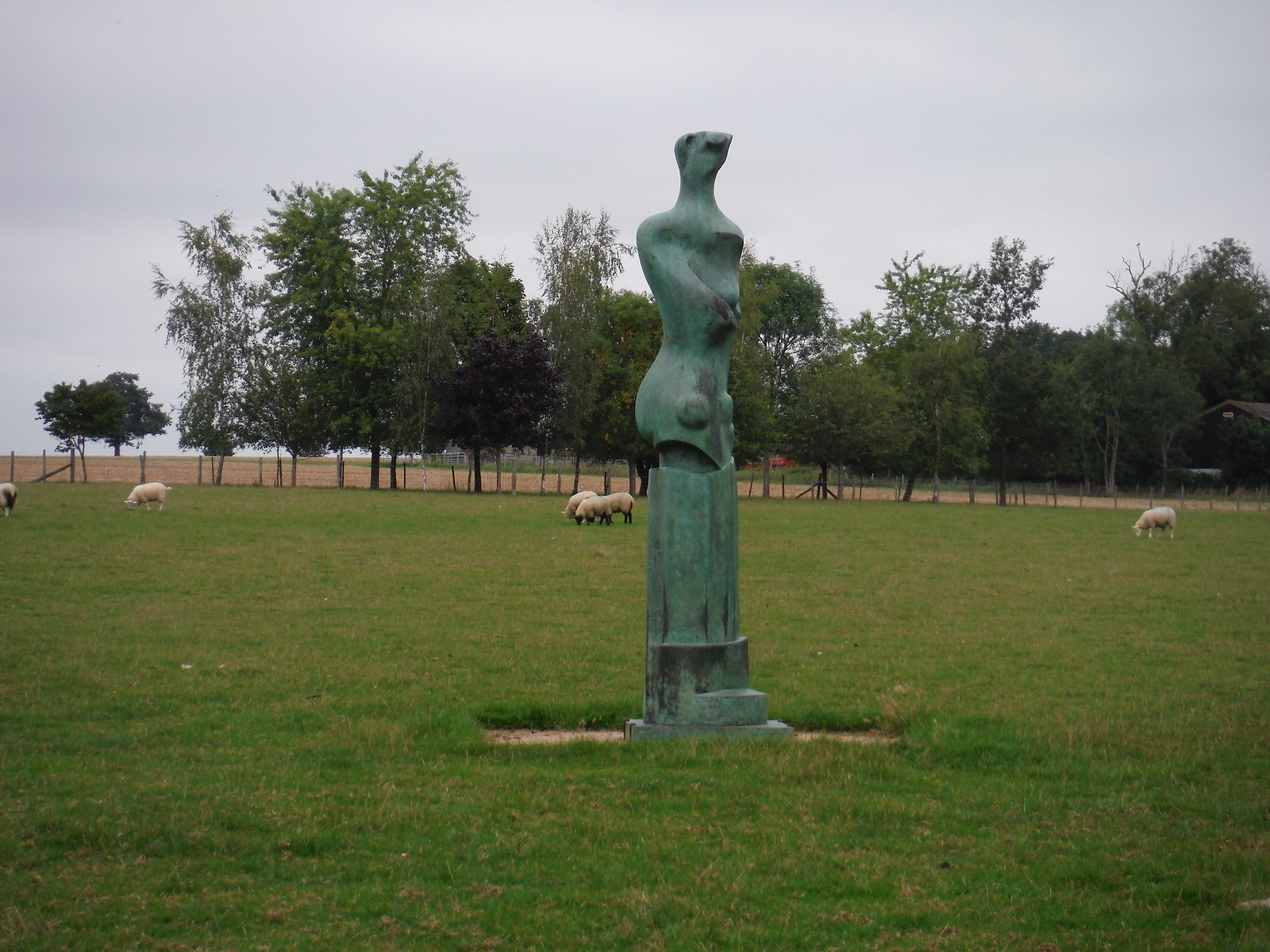 Upright Motive No. 9 (1979) SWC Walk 164 Roydon to Sawbridgeworth via Henry Moore Foundation