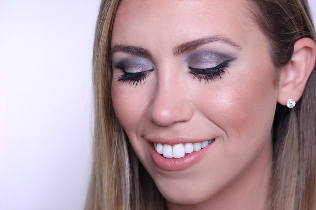 Charcoal Metallic Smoky Eye Makeup