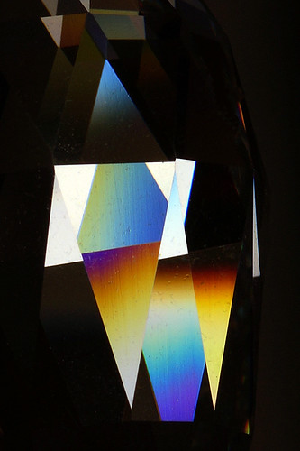 Triangles-shadow-light