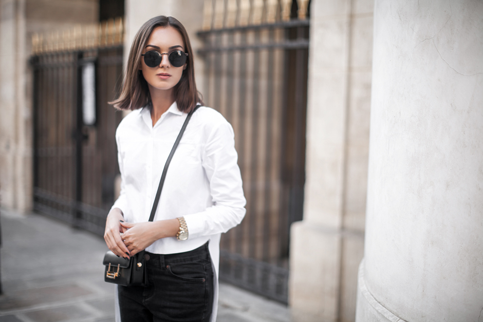 white-shirt-black-jeans-outfit